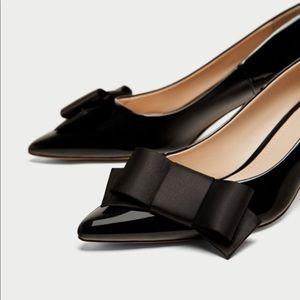 NWT Zara court shoes with bow sz 9 (40)!